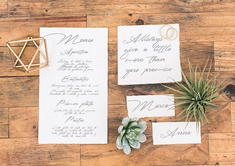 Hochzeit in Andalusien, Papeterie Namensschilder Kalligraphie und Blattgold
