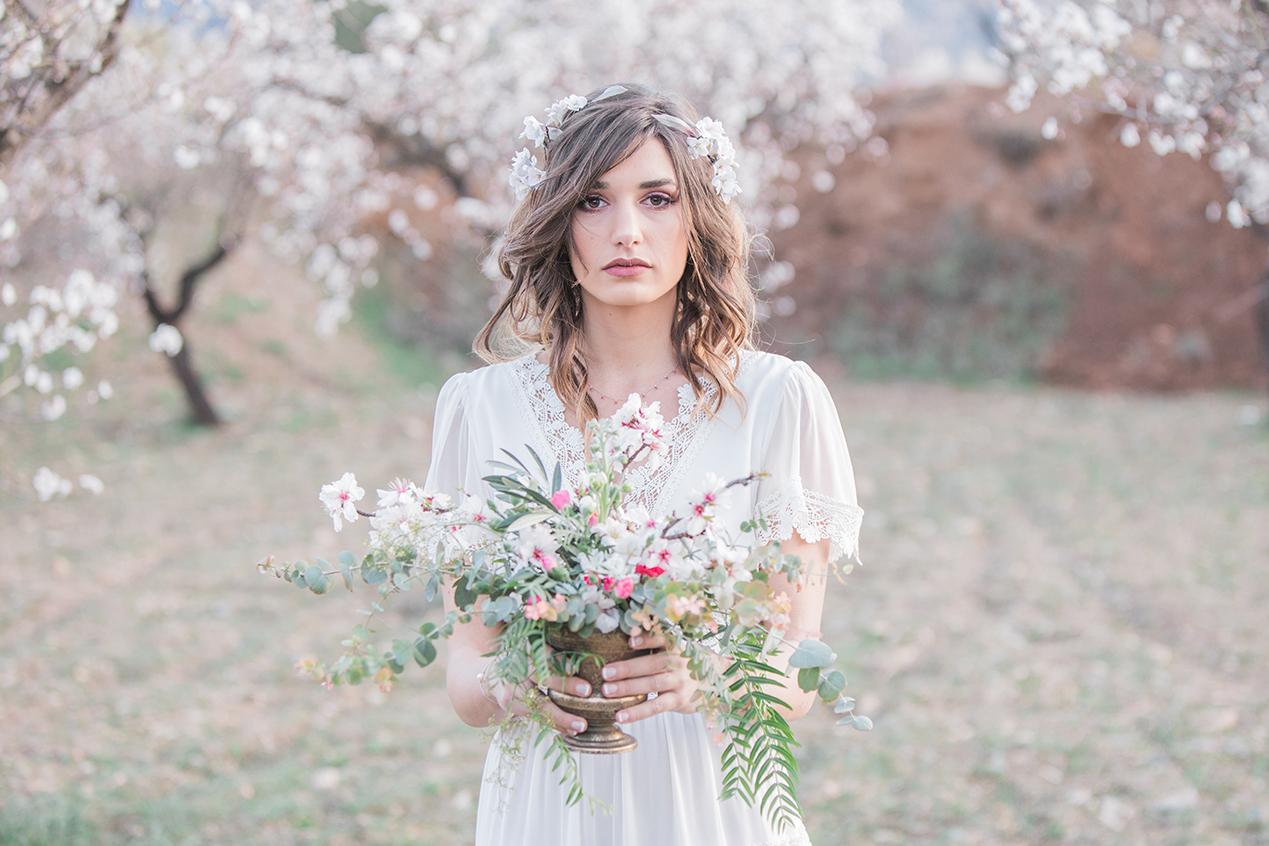 Hochzeit zur Mandelblüte in Andalusien, Braut