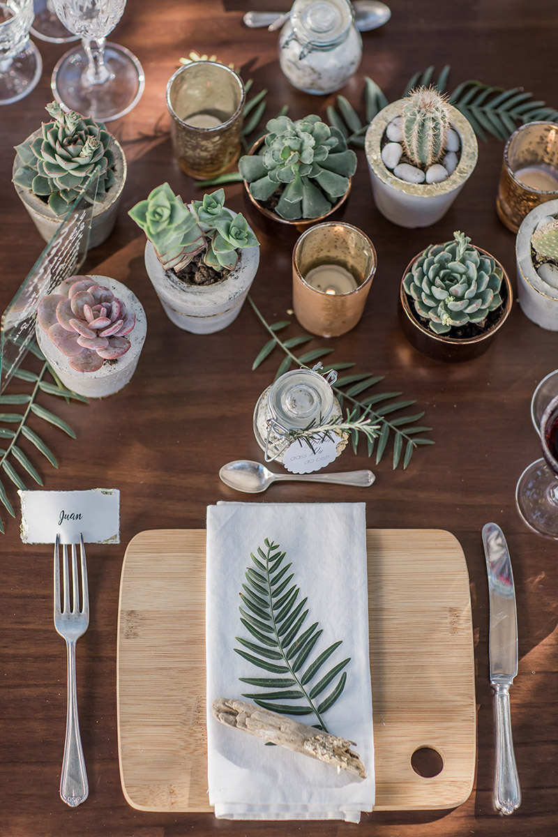 Tischdeko boho mit Kaktus und Sukkulenten, Gold und Kupfer Dekoration mit Beton
