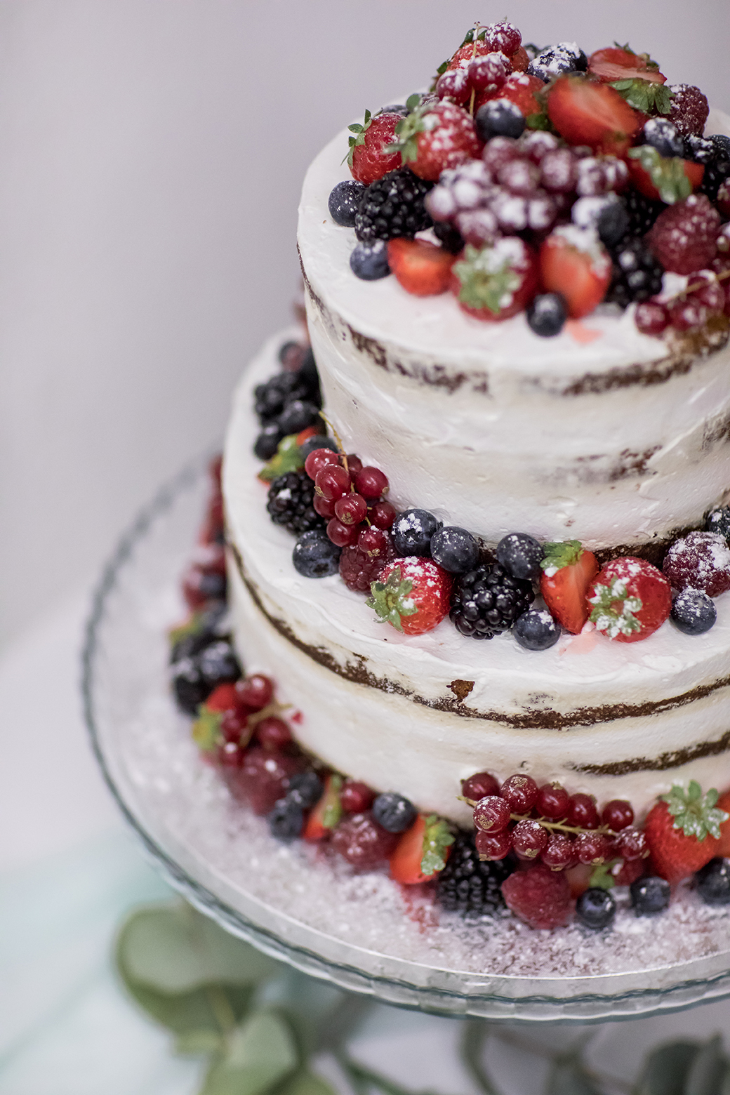 Hochzeitstorten Ideen. Naked Cake mit Früchten