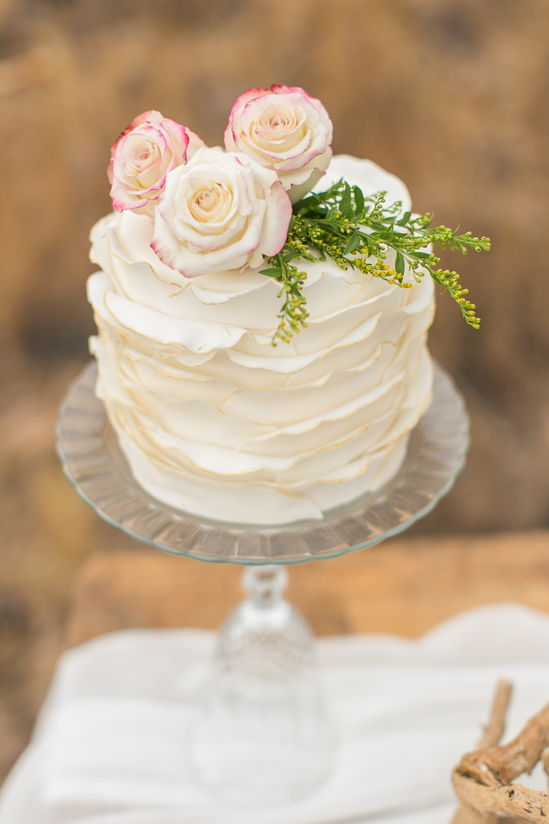 Hochzeitstorten Ideen ruffled cake