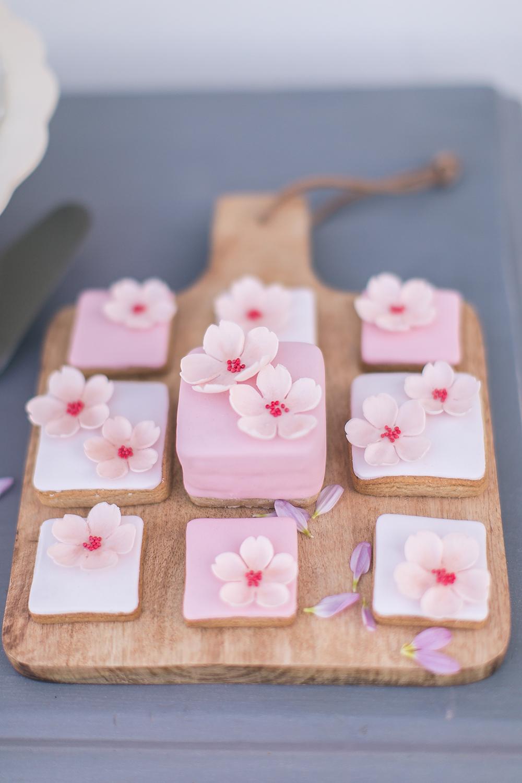 Hochzeit in Spanien, Kekse mit Blumendeko