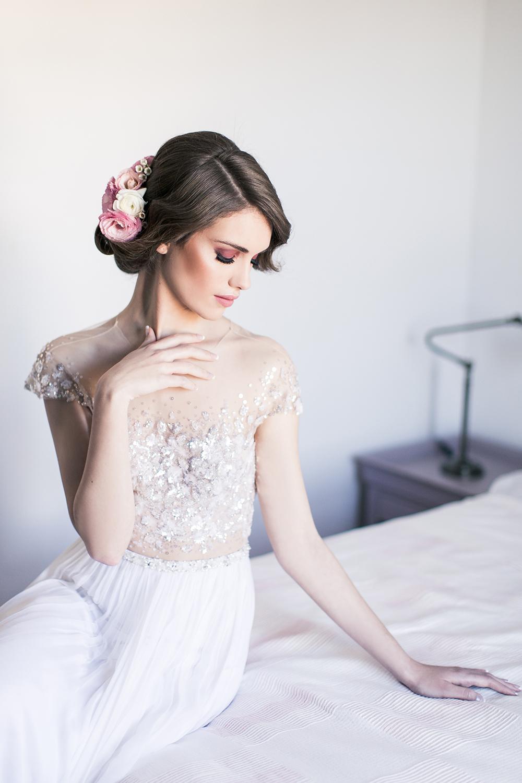Hochzeit in Spanien, Braut mit Brautkleid von Mira Zwillinger. Romantische Hochzeit in Andalusien