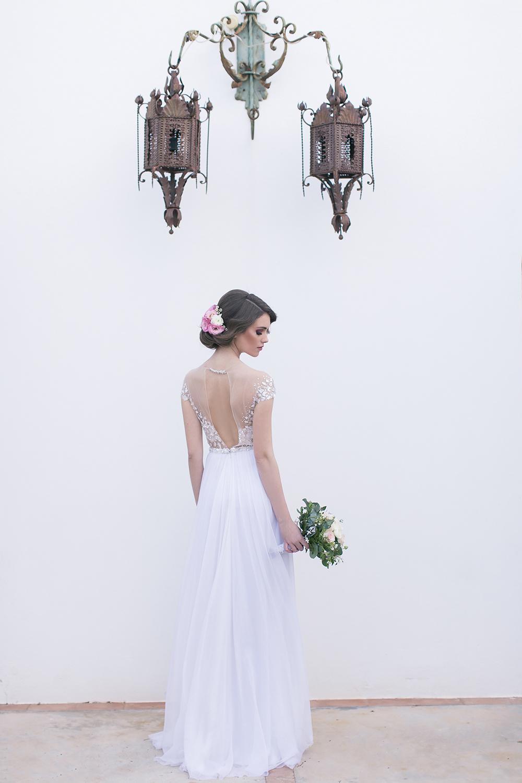 Hochzeit in Spanien, Brautkleid / Weddingdress Mira Zwillinger mit offenen Rücken