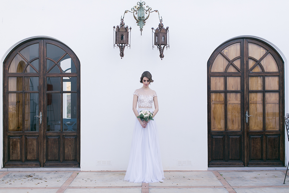 Hochzeit in Spanien, Fotoshooting mit Brautkleid von Mira Zwillinger
