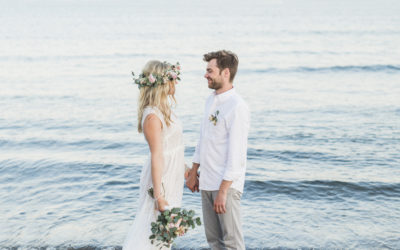 Hach, diese Hochzeit zu zweit am Strand – entspannter geht es nicht!