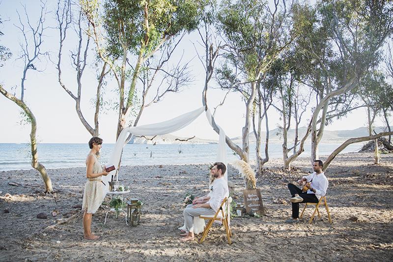 Freie Trauung am Strand in Spanien. heiraten zu zweit am Strand