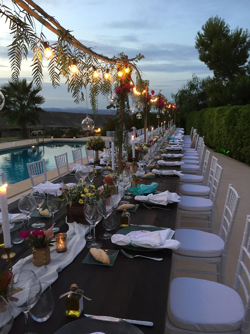 Tischdeko-ideen-für-lange-tafeln-ambrosia-wedding