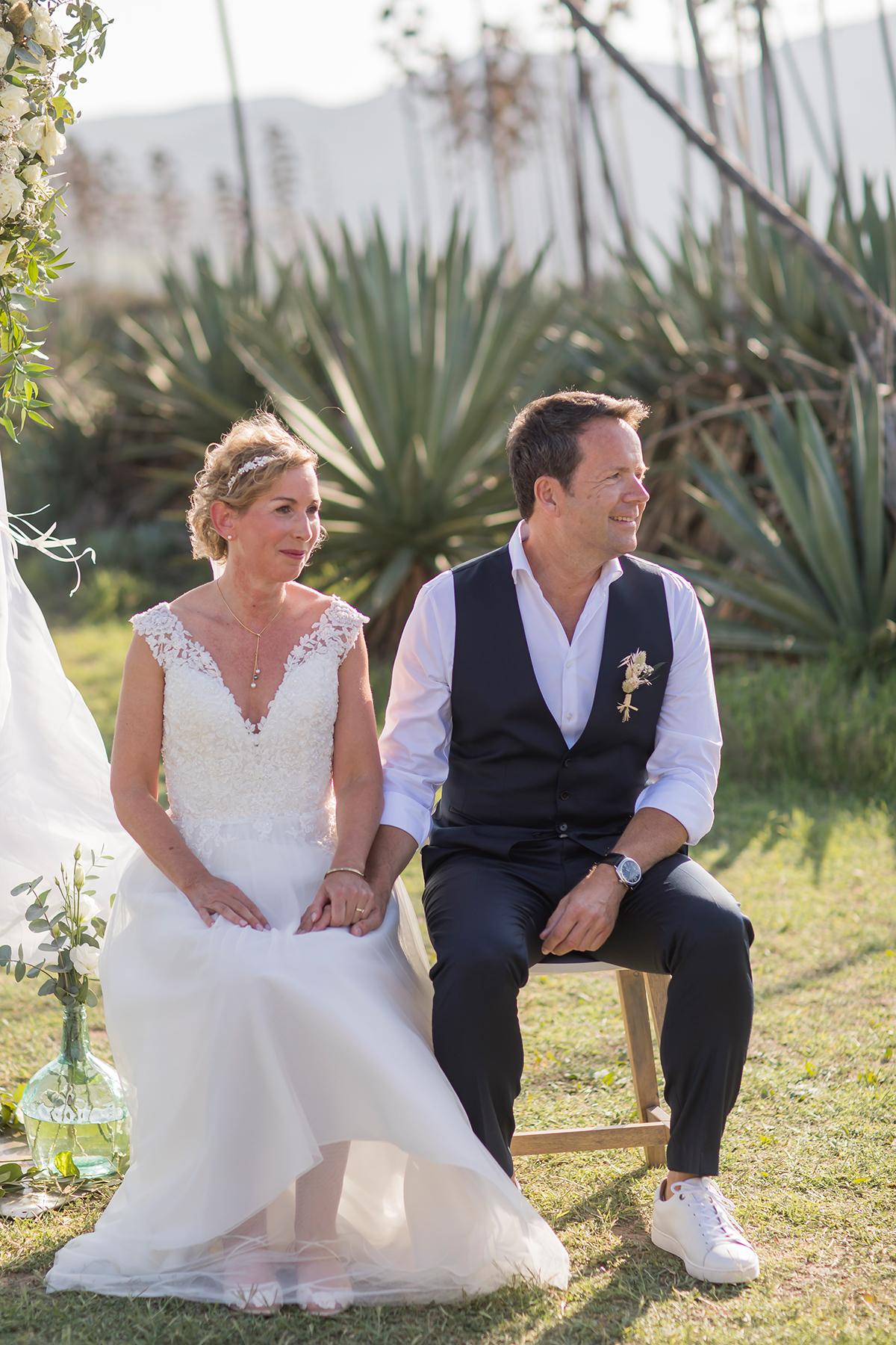 Hochzeit am Meer, Brautpaar während Zeremonie